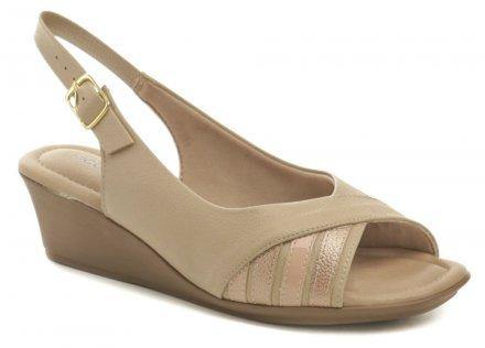 Piccadilly 153029 béžové dámské sandály na klínku 6e4f7ebac9